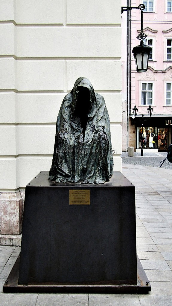 don giovanni ghost statue prague