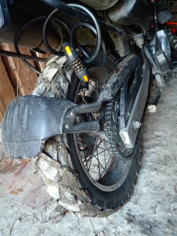 muddymotorbikewheel