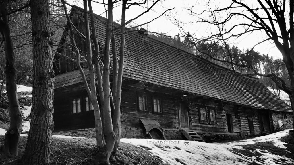 oldwoodenhouse