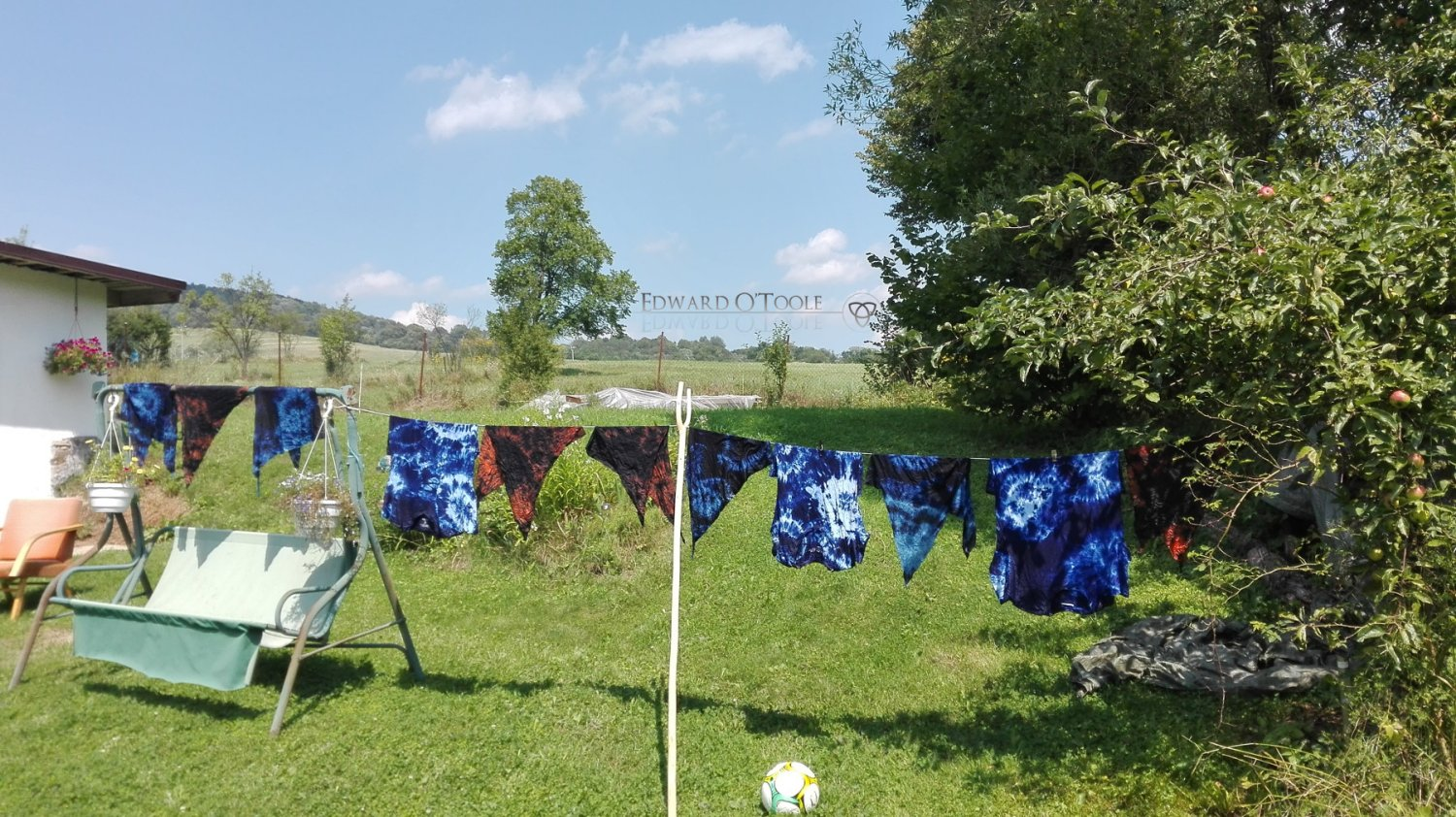 batik clothes drying on line